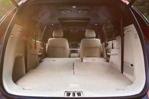 khoang chứa hành lý xe ford everest 2017