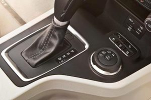 xe ford everest 2017 có thể đi trên được 4 địa hình khác nhau