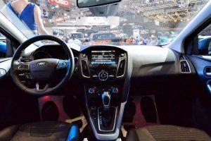 nội thất xe ford focus 2017