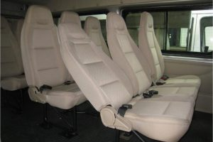 nội thất xe ford transit 2017