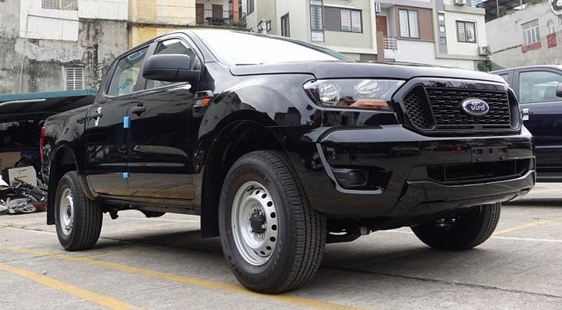 Ford Ranger XL 2021 màu đen tại Ford Long Biên