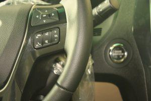 điều khiển âm thanh trên vô lăng xe ford explorer 2017