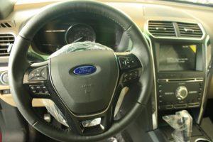 vô lăng xe ford explorer 2017
