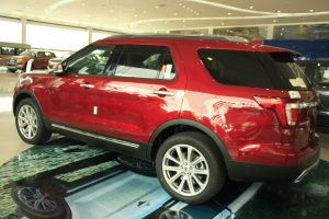hình ảnh xe ford explorer 2017 màu đỏ