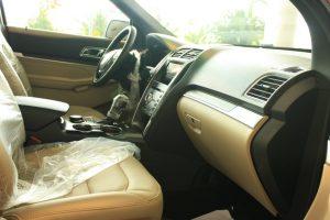nội thất xe ford explorer 2017
