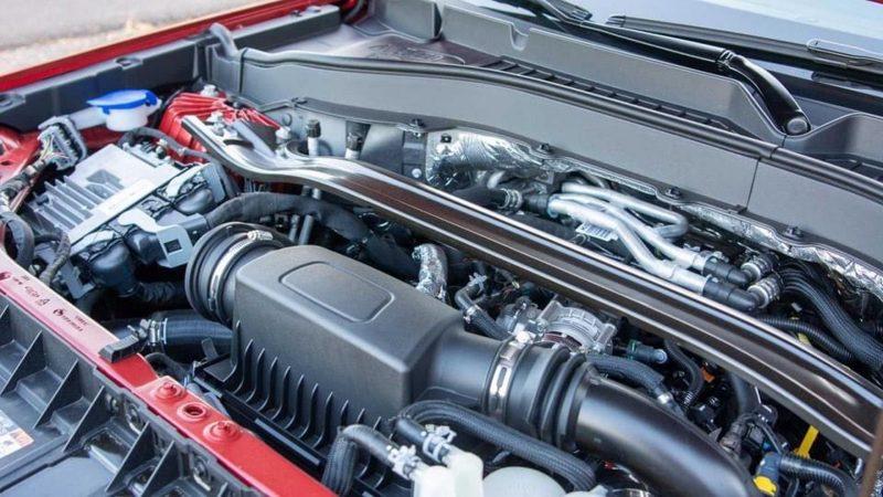 khoang động cơ ford explorer 2021 tại ford long biên